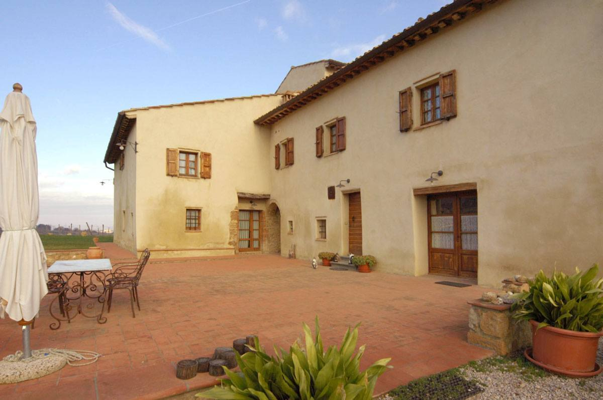 farmyard tuscan guesthouse san gimignano 1 - La Marronaia -