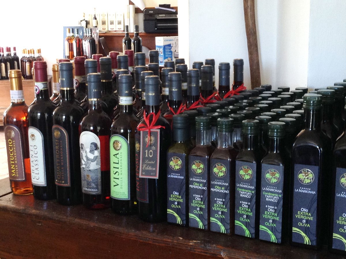 Organic wine and extra virgin olive oil made in Tuscany