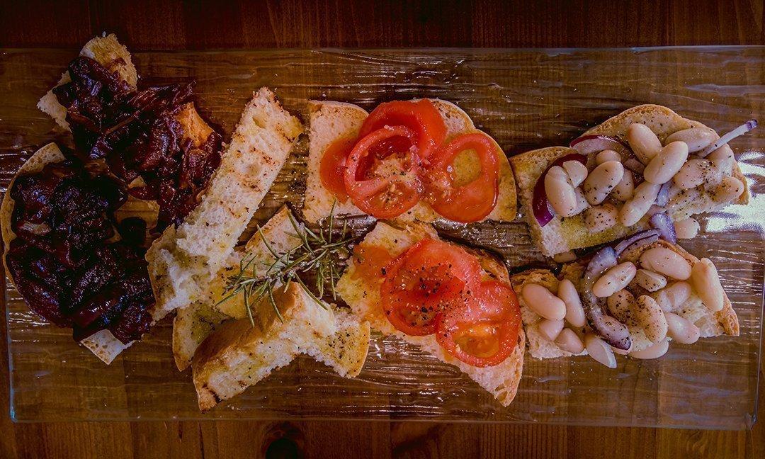 bruschette-la-marronaia-winery